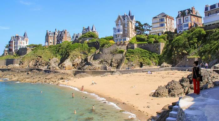Dinard has kept much of it's 1920's charm, a visit to this town is like stepping back in time.